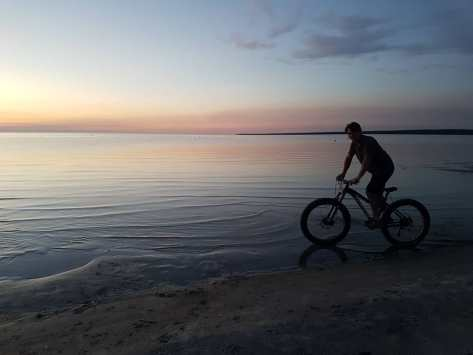Dave Cushnie Fatbike - Lake Wpg Grand Beach 29 Jun 2018