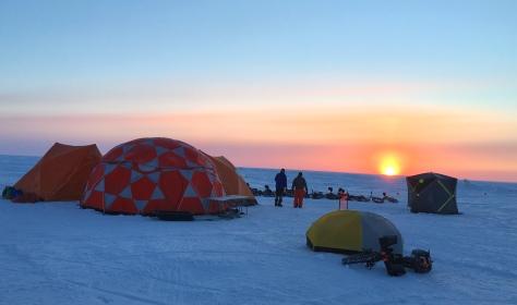 2019 Lake Wpg FB Adventure - Camp at Sunrise