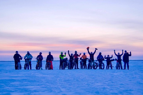 2019 Lake Wpg FB Adventure - Group Pic after sunset